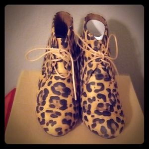 Bella Marie Sally-5 Leopard Bootie Wedges Size 9